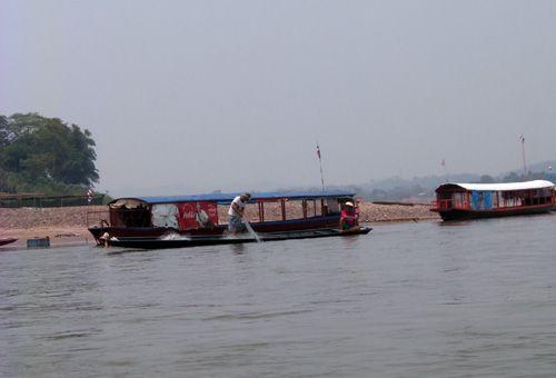 Lào cũng rủi ro khi xây đập Xayaburi