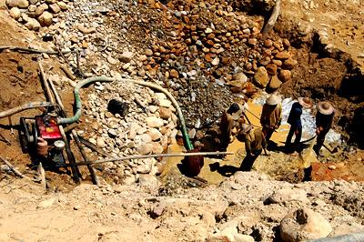 Khắc phục sự cố sập hầm vàng tại Quảng Nam
