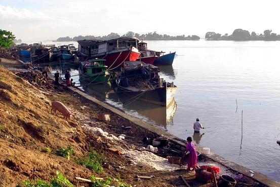Trung Quốc bị yêu cầu dừng xây đập ở Myanmar