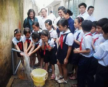 Tiếp tục chương trình quốc gia về nước sạch, vệ sinh môi trường nông thôn