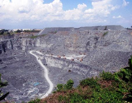 Một mỏ khai thác đá trên địa bàn tỉnh Đồng Nai (Ảnh: Báo Đồng Nai)