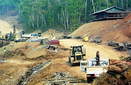Công trường xây dựng đập thủy điện Xayaburi (Ảnh: asianews.it)