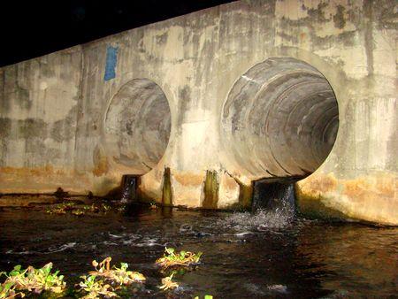 Xả trộm nước thải có thể bị phạt 1 tỷ đồng