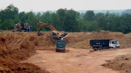 Đồng Nai: Ngang nhiên khai thác đất trái phép