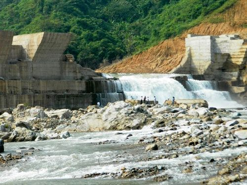 Đập chắn thủy điện Đakrông 3 bị vỡ (Ảnh: An ninh Thủ đô)