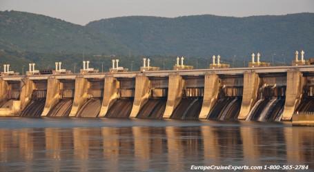 Châu Âu: Trả lại dòng chảy tự nhiên cho các dòng sông