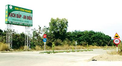 KCN Rạch Bắp - An Điền thuộc xã An Điền, huyện Bến Cát, tỉnh Bình Dương sau nhiều năm hình thành nhưng chỉ có 6 doanh nghiệp vào đầu tư (Ảnh: Sài Gòn Giải Phóng)
