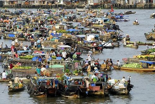 Chợ nổi trên sông (Ảnh: banchanviet.vn)