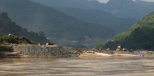 Nơi dự kiến xây dựng đập thủy điện Xayaburi (Ảnh: wanhoffs-laos.com)