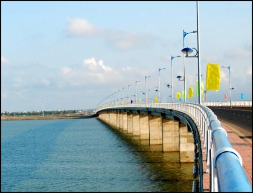 UBND tỉnh Phú Yên đã gây lãng phí là 1,6 tỷ đồng đối với Dự án Xây dựng cầu Hùng Vương (Ảnh: Nam Hà/Thanh Tra)