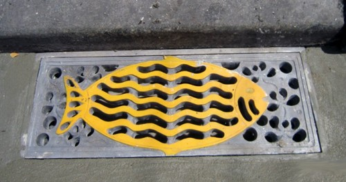Nắp cống composite tạo hiệu ứng thẩm mỹ cao hơn cho đường phố (Ảnh: BizLIVE.vn)