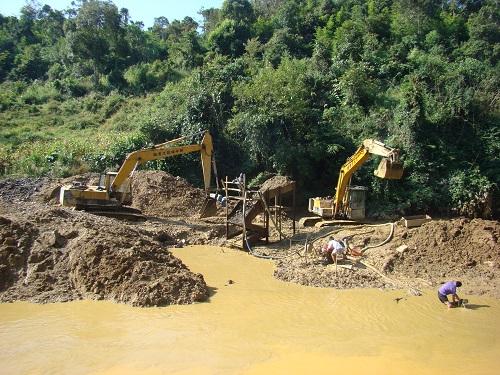 Chấn chỉnh việc khai thác khoáng sản
