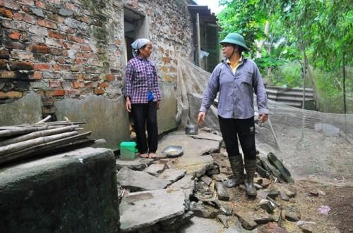 Căn bếp nhà chị Tươi (ở đội 9, thôn 5) cũng bị hà bá nuốt chửng (Ảnh: nongnghiep.vn)