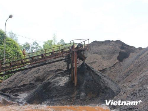 Theo nhận định của nhiều chuyên gia thì tài nguyên khoáng sản đang rơi vào tay tư nhân chứ không phải Nhà nước (Ảnh: Hùng Võ/VietnamPlus)