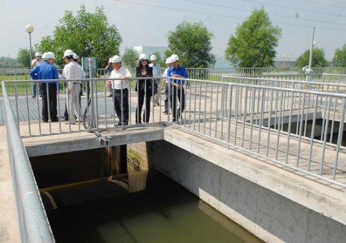 Một góc hồ chứa nước thải Nhà máy nước thải Bình Hưng xử lý nước thải trên phạm vi 1.000ha với công suất 141.000 m³/ngày (Ảnh: Phạm Cao Minh/Sài Gòn Giải Phóng)