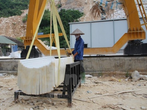 Doanh nghiệp khai thác đá hoa trắng tại tỉnh Yên Bái. (Ảnh: Hùng Võ/Vietnam+)