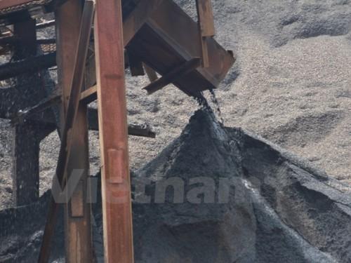 Năm 2014 thu được 5.000 tỷ đồng từ việc tính và thu tiền cấp quyền khai thác khoáng sản. (Ảnh: Hùng Võ/Vietnam+)