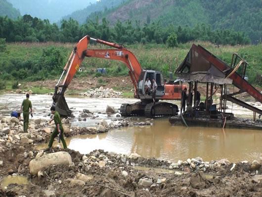 Khai thác vàng trái phép ở lòng hồ Tả Trạch: Công ty TNHH Thương binh Huế sai phạm có hệ thống