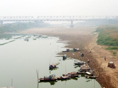 Tốn hàng nghìn tỷ đồng vì sông Hồng cạn kiệt