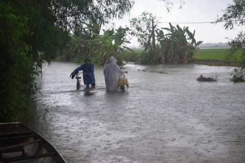 Thuỷ điện xả lũ: Không thể đổ cho mưa lũ bất thường!