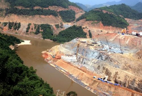 Một số dự án thủy điện vừa và nhỏ tiềm ẩn nguy cơ mất an toàn công trình và tính mạng con người. (Ảnh: Diễn đàn Doanh nghiệp)