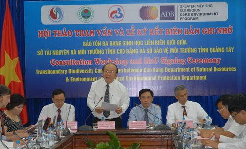 Giáo sư, Tiến sỹ Bùi Cách Tuyến, Thứ trưởng Bộ TN&MT kiêm Tổng cục trưởng Tổng cục Môi trường phát biểu tại Hội thảo. (Ảnh: Ngọc Minh)