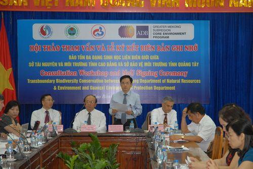 Ông Đàm Văn Eng, Phó Chủ tịch UBND tỉnh Cao Bằng phát biểu tại Hội thảo. (Ảnh: Ngọc Minh)