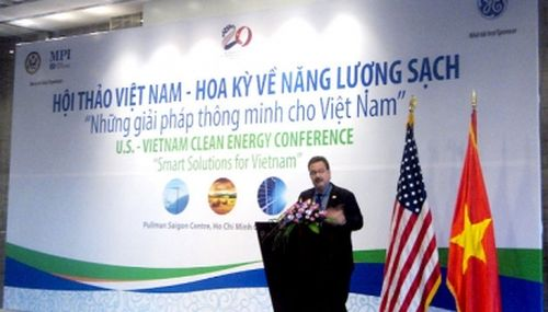 Ông Patrick Wall, Tùy viên thương mại, Tổng lãnh sự quán Hoa Kỳ tại TP Hồ Chí Minh phát biểu tại hội thảo. (Ảnh: Nhân Dân)