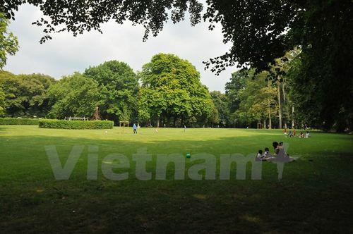 Công viên Wolvendael tại quận Uccle, ở thủ đô Brussels. (Ảnh: Hương Giang/Vietnam+)