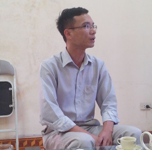 Ông Đặng Quốc Hưng, Chủ tịch UBND Phường Đại Yên đang trao đổi với PV. (Ảnh: Hà Thúy)