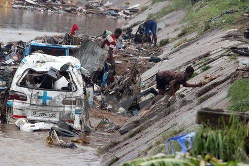 Cảnh ngập lụt tại thủ đô Accra của Ghana ngày 4/6. (Nguồn: AFP/TTXVN)