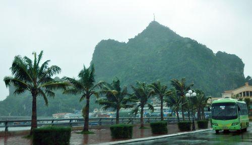 Bão số 1 gây mưa tại một số địa phương ở Quảng Ninh (Ảnh: Báo Quảng Ninh)