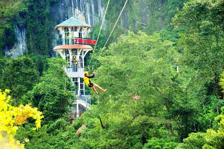 """Zipline tại Phong Nha - Kẻ Bàng sẽ được trao bằng Guinness Việt Nam về Zipline 2 dây dài nhất Việt Nam trong khuôn khổ """"Lễ Hội hang động Quảng Bình 2015"""""""