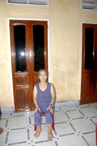 Bà Phạm Thị Liêm lo sợ mình đang mắc bệnh ung thư.