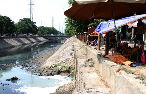 Hà Nội mất dần những dòng sông xanh – Kỳ 2