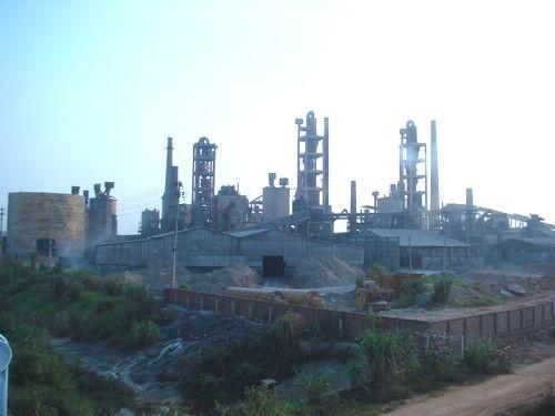 Một nhà máy ở Phú Thọ (Ảnh: Hoàng Chiên/ThienNhien.Net)
