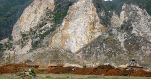 Tỉnh Sơn La đã mạnh tay đóng cửa 35 mỏ khai thác khoáng sản theo Điều 73 của Luật Khoáng sản năm 2010 (Ảnh minh họa: BizLIVE.vn)