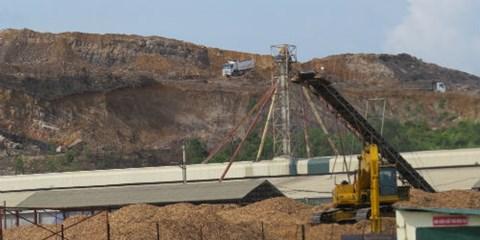 Khu dịch vụ hậu cần cảng biến thành mỏ khai thác đất khổng lồ?