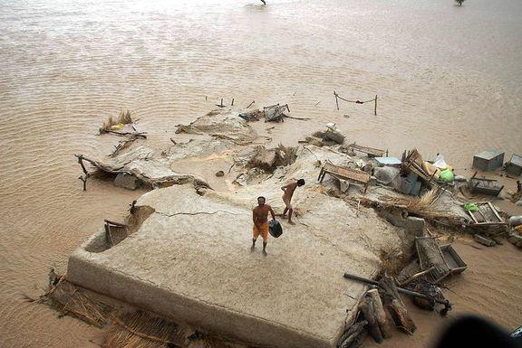 Con người mắc kẹt với biến đổi khí hậu