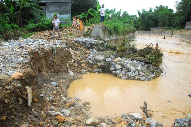 Mưa lũ gây thiệt hại về người và tài sản ở Hòa Bình, Phú Thọ