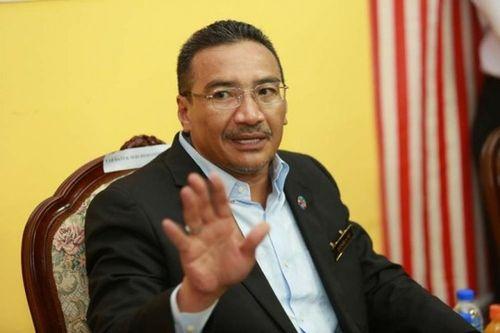 Bộ trưởng Quốc phòng Malaysia đổ bệnh vì khói bụi