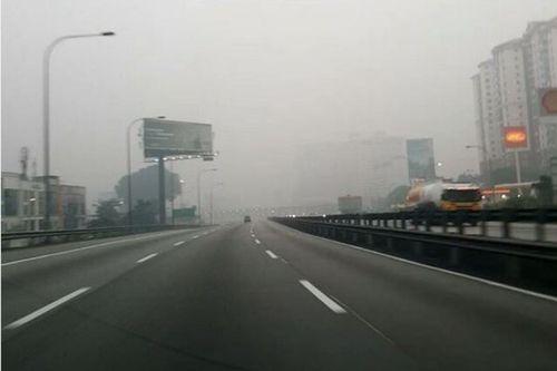 Thủ đô Kuala Lumpur - Malaysia chìm trong khói mù do cháy rừng ở Indonesia (Ảnh: ABC News)