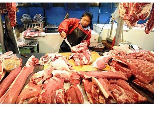 Thịt heo siêu nạc bày bán ở chợ