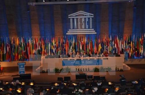 Kỳ họp Đại hội đồng UNESCO lần thứ 38 (Ảnh: Bích Hà/TTXVN)