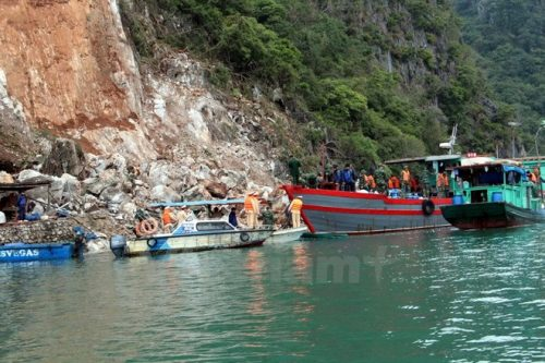 Hiện trường vụ sạt lở núi đá ở Quảng Ninh (Ảnh: Nguyễn Hoàng/Vietnam+)