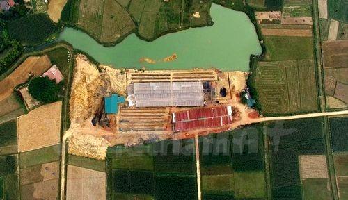 """Các lò gạch hiện nay cũng đang """"bức tử"""" tài nguyên đất(Ảnh: PV/Vietnam+)"""