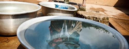 Dự báo tới năm 2025, trên thế giới có khoảng 1,8 tỷ người thiếu nước sinh hoạt.