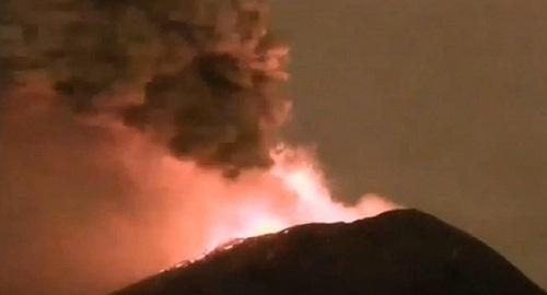Núi lửa Popocatépetl ở Mexico sắp phun trào, cột tro có thể cao 3km