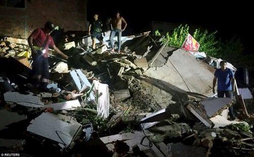 Cảnh đổ nát sau trận động đất ở Ecuador (Nguồn: Reuters)