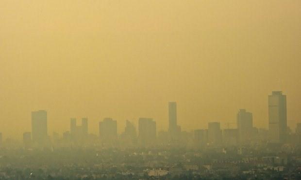 Thủ đô Mexico đóng cửa nhiều cây xăng do ô nhiễm không khí